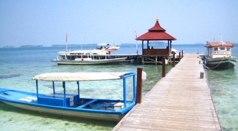 ジャカルタ近郊のビーチリゾート プロウスリブ セパ島 日帰り1泊2日