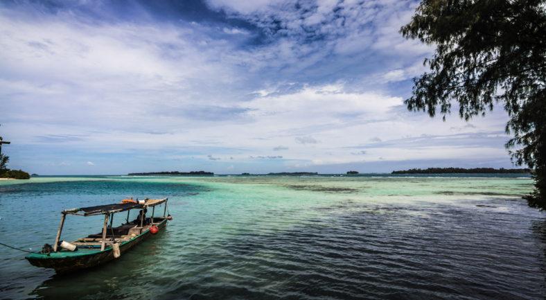 ジャカルタから一番近いビーチリゾート プロウスリブ マチャン島 1泊2日