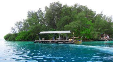 ジャカルタ近郊のビーチリゾート プロウスリブ  パランギ島 日帰り 1泊2日