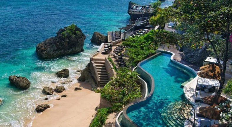 ジャカルタ発バリ島2泊3日パッケージ ジンバラン おすすめホテル宿泊