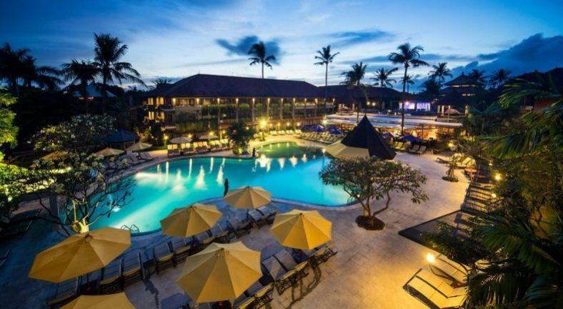 ジャカルタ発バリ島2泊3日パッケージ クタ地区 おすすめホテルに宿泊