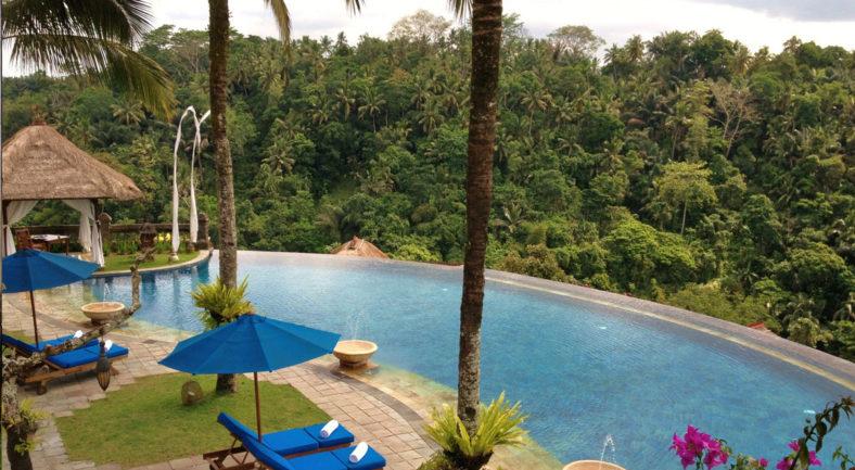 ジャカルタ発バリ島2泊3日パッケージ 大人向けホテルに宿泊