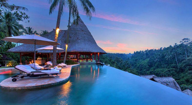 ジャカルタ発バリ島2泊3日パッケージ ウブド地区 おすすめホテル宿泊