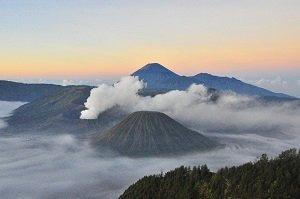 ブロモ山  ,  ブロモ山 インドネシア
