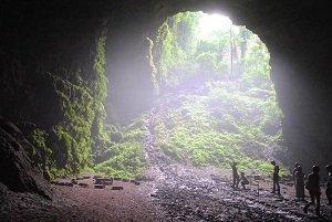 ジョンブラン洞窟 ツアー ジョグジャカルタ