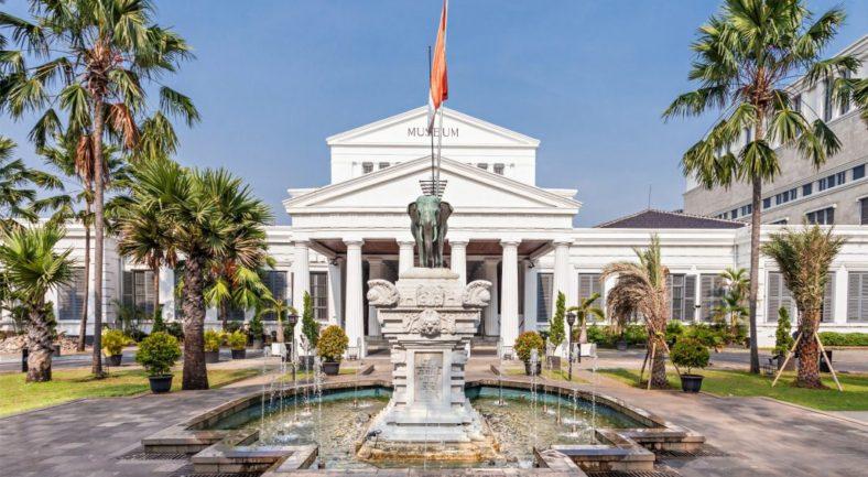 インドネシア ジャカルタの市内観光 日帰りツアー 一日 日本語ガイド