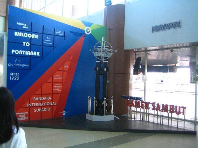 ポンティアナック , ポンティアナック 空港