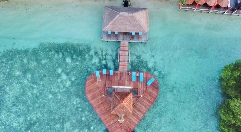 【ラジャアンパット】 秘境の旅へ RAJA AMPAT DIVE LODGE泊 2泊3日