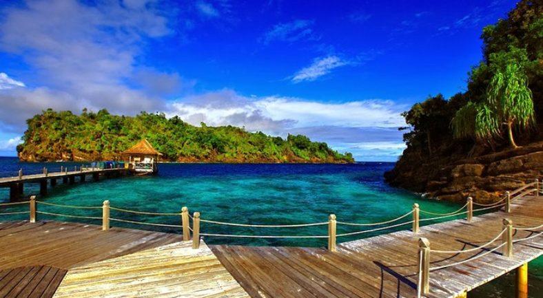 ジャカルタ発ラジャアンパット 秘境の旅へ RAJA AMPAT DIVE RESORT泊 2泊3日