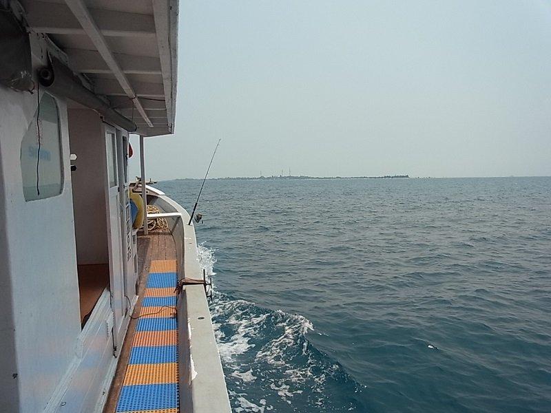 ジャカルタ 釣船